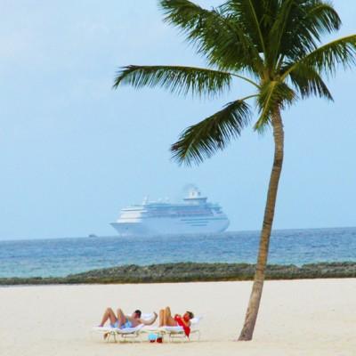 Cruise the Bahamas